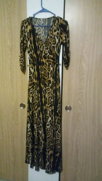 black and brown floral long-sleeved dress SeaTac, 98198