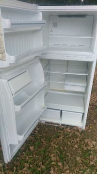 White fridge Spartanburg, 29303