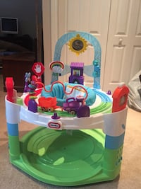 Little Tikes play Center - like new  Mont-Royal, H4P 1Z2