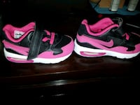 pair of black-and-pink Nike running shoes Belleville, 62223