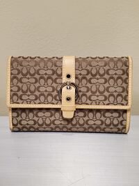 NEW!! GENUINE COACH WALLET - firm price. Arlington, 22204