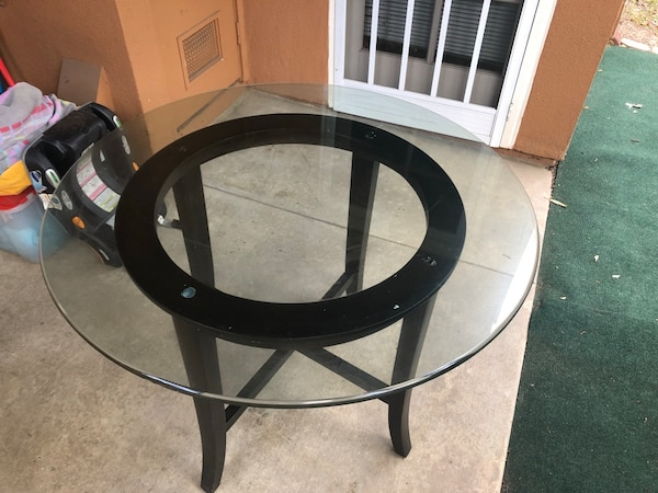 Dining Table d8427219-c468-4789-b549-238c431d5733