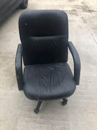 black leather padded rolling chair Toronto, M5M 2V8
