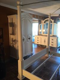 Marble top bedroom set Commerce Township, 48382