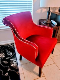 Gorgeous red accent chair Conroe, 77385