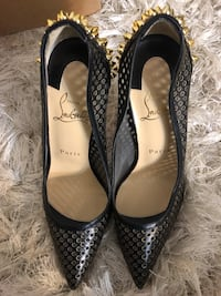 Christian Louboutin Guni Pumps