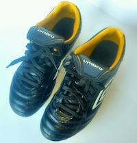 Umbro Soccer Cleats.  Leather.  Size suitable for a youth or child. Waterloo