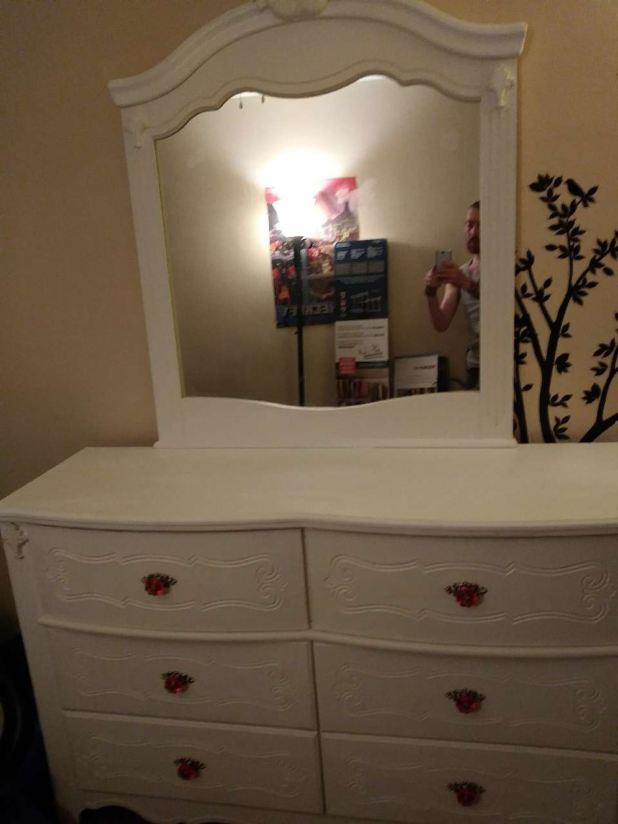 Used Ashley Furniture Girls Bedroom Set In Philadelphia