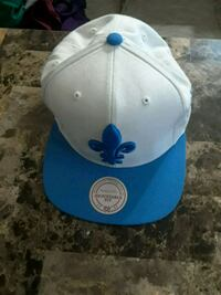 white and blue snapback with fleur de liz embroidered Toronto, M1G 1R8