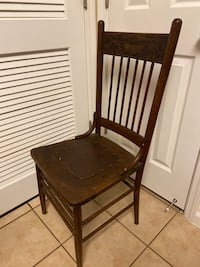 Antique wooden chair  Oklahoma City, 73145