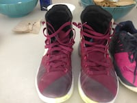 Kobe Bryant Basketball Shoes Sz 8 West Vancouver, V7V 1J7