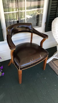 brown leather padded wooden armchair Cazenovia, 13035