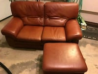 High-end leather loveseat + ottoman  787 km