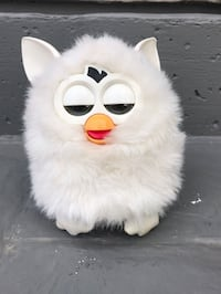 Furby looks for cuddly owner! Lincoln, L0R