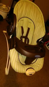 baby's black and yellow car seat carrier Lafayette, 47904