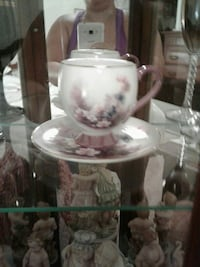 white-and-pink floral ceramic tea cup with plate Clermont, 34714