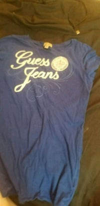 Guess tshirt Winnipeg, R2W 2J9