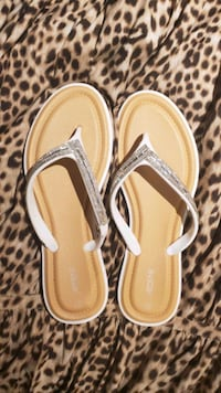 Size 10, never worn sandals from Arden Toronto, M6M 2H7