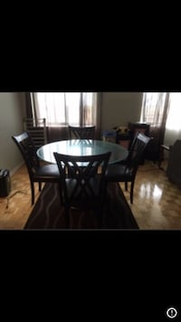 round glass top table with four chairs dining set Montréal, H3E 1G2