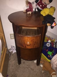 Brown wooden framed glass cabinet Los Angeles, 91306