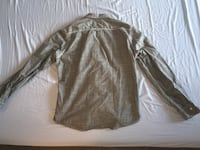 Men's H&M Fitted long-sleeve shirt; Like New; only $25 Toronto, M5J 2G8