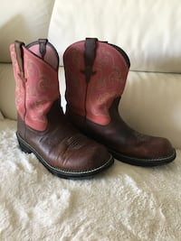 Size 10 cowgirl boots  London, N6J