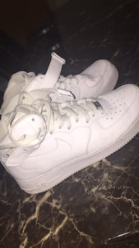 Air Force 1s mid top size 10.5, price negotiable  Windsor, N8T 2G4