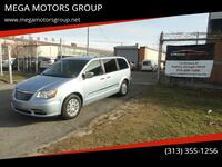 Chrysler-Town and Country-2013