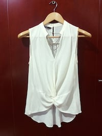 puting v-neck sleeveless top Makati City, 1223
