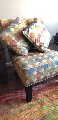 Comfy, Colorful Rooms 2 Go Chair Alexandria, 22304