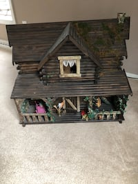 Doll House Willoughby, 44094
