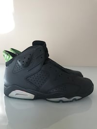 pair of cement gray airbrushed infrareds