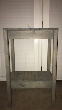 Gray wood two tier table  Fort Mitchell, 41017