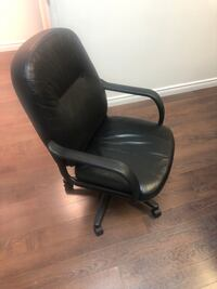 Leather office chairs for sale Laval, H7T