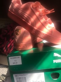 Brand new pink pumas with ribbon bow for sale size 4.5 in junors Stockton, 95210