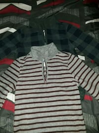 Old navy fleeced size 5T both Chattanooga, 37416