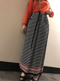 black and white striped skirt  , T5Y