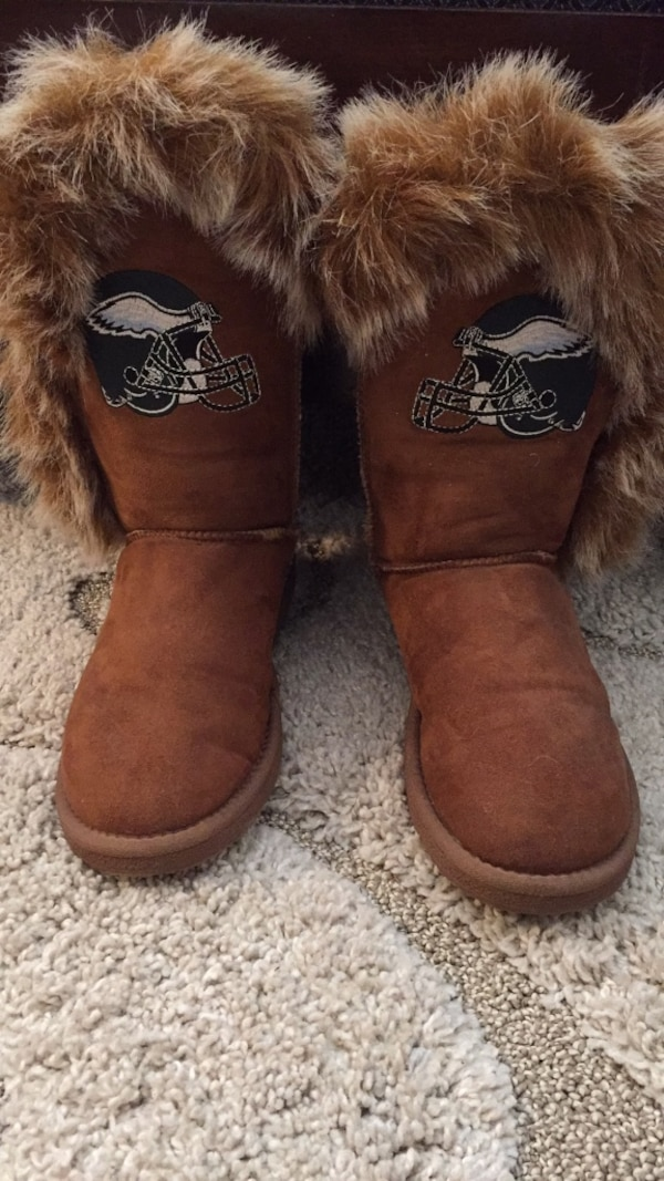 e08749d73dd pair of brown UGG Bailey Button boots