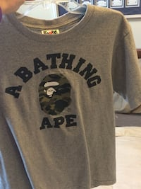 A bathing ape t shirt size small 10/10 condition. Toronto, M8Z 1M1
