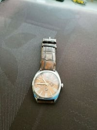 round silver-colored chronograph watch with link bracelet Toronto, M8Z 1N6