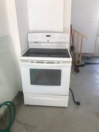 white induction range oven and microwave oven Brampton, L6V