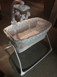 bassinet with mobile Vaughan, L4H 1P5