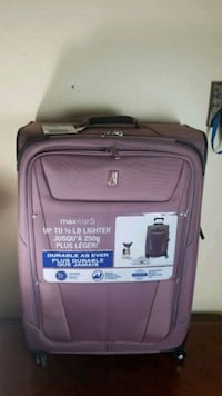 Travelpro max lite Dusty rose lightweight large luggage  Fontana, 92335