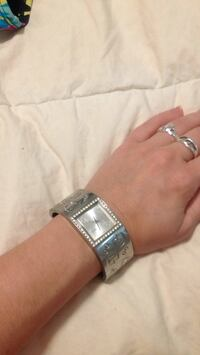 Guess watch with crystals London, N5V 2T5