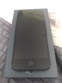 Like new iPhone 5 w/ ghost armour  Vaughan, L4J 3N4
