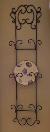 Wrought Iron Plate Holder