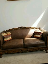 brown wooden framed brown padded sofa Clinton, 20735