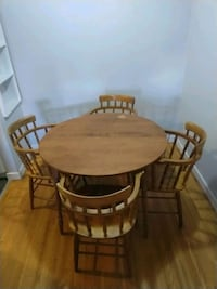Kitchen table+ 4chairs Vancouver, V6P 4E9