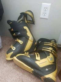 Snow ski boots Lakewood, 80228