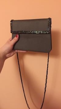 Olive clutch bag Mississauga, L5B